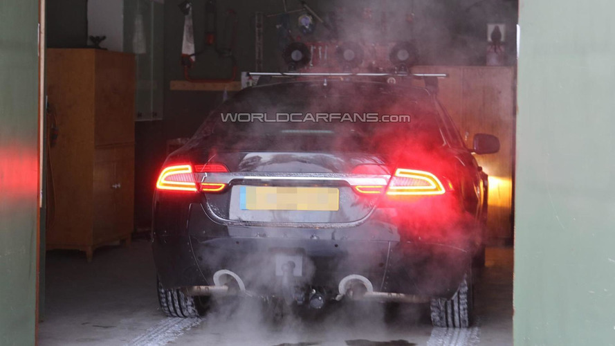 2015 Jaguar XS mule spied up close in Scandinavia