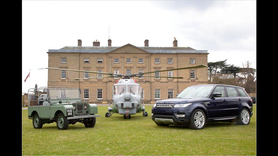 Royal Navy liefert Geburtstagstorte mit dem Heli