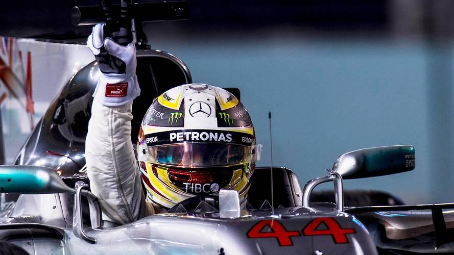 Grosjean questiona regra em comemoração de Hamilton
