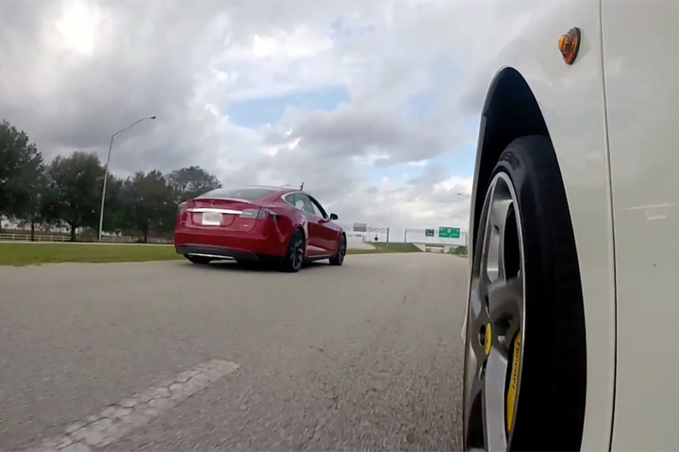 Watch this Tesla P85D Out-Accelerate a Ferrari 458