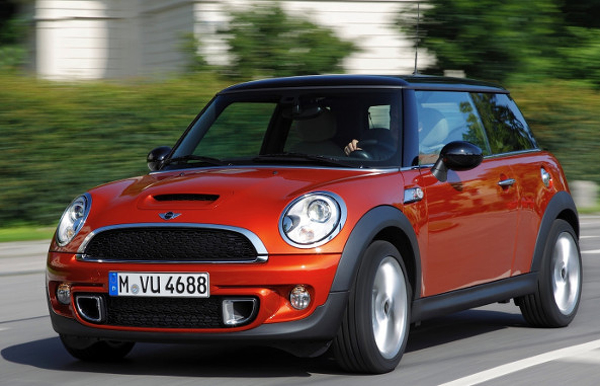 2015 MINI Cooper: How Does it Size up to Other Small Cars?