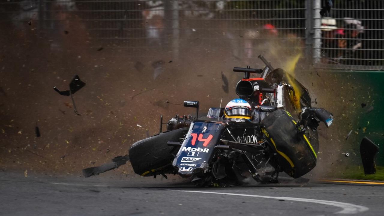 2016 yılının tüm Formula 1 kazaları