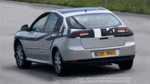 SPY PHOTOS: Renault Laguna Sedan
