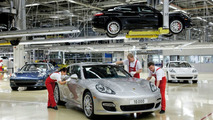 The 10,000th Porsche Panamera rolled off the production line at the Leipzig plant of Dr. Ing. h.c. F. Porsche AG. 14.12.2009