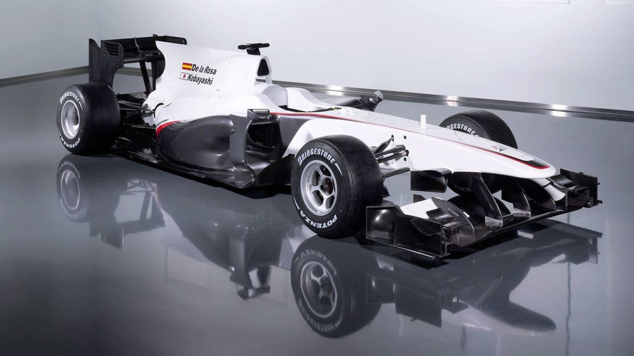 Sauber launches C29 on Valencia pit straight
