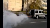 Duelo hilário: Mercedes Classe G dá lição num Toyota Supra tunado