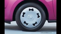 Exclusivo do Japão, Mitsubishi Mirage Hello Kitty tem até laço nas calotas