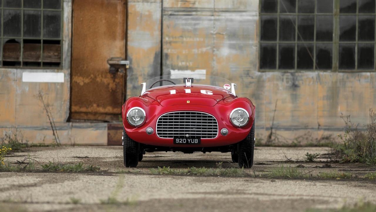Üretilen ilk Ferrari'lerden biri açık arttırma yolunda