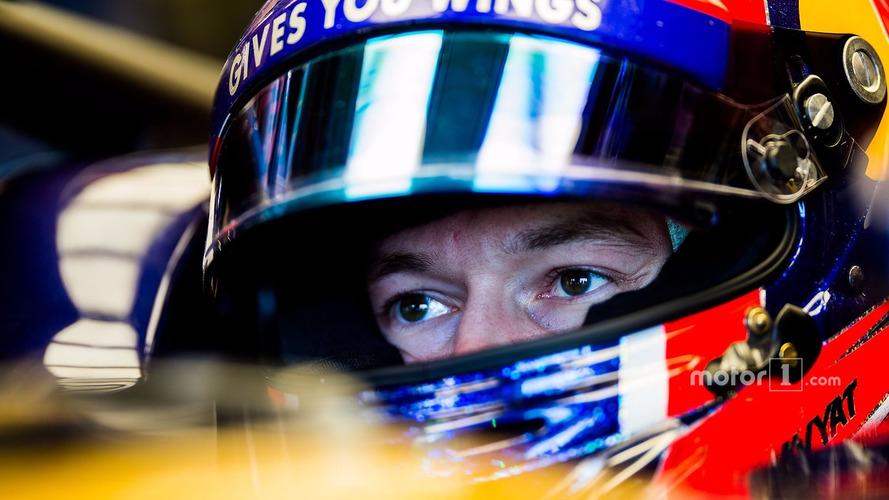 Kvyat's results not deserving of 2017 deal - Villeneuve