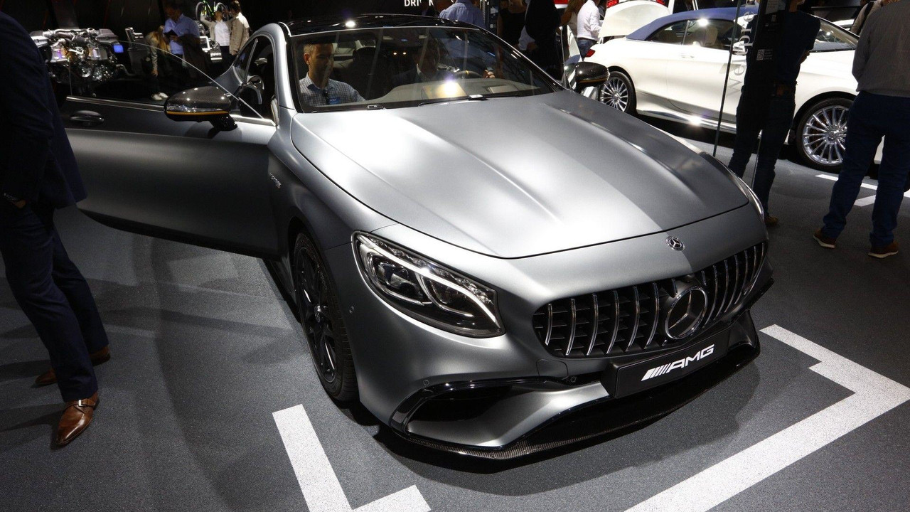 https://icdn-7.motor1.com/images/mgl/ly2WM/s3/2018-mercedes-s-class-coupe-cabriolet-live-in-frankfurt.jpg
