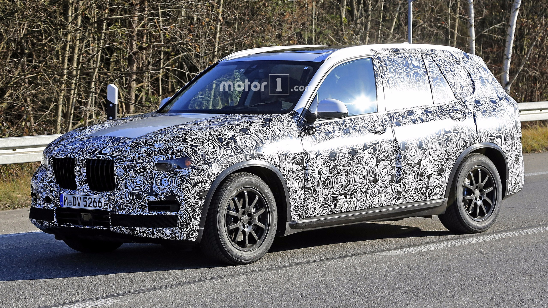 2018 bmw x5 spotted with production body. Black Bedroom Furniture Sets. Home Design Ideas