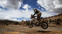 Piloto do Dakar, Ivan Jakes leva raio e volta ao rali
