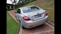 Geely reduz preço do sedã EC7 para R$ 44,9 mil