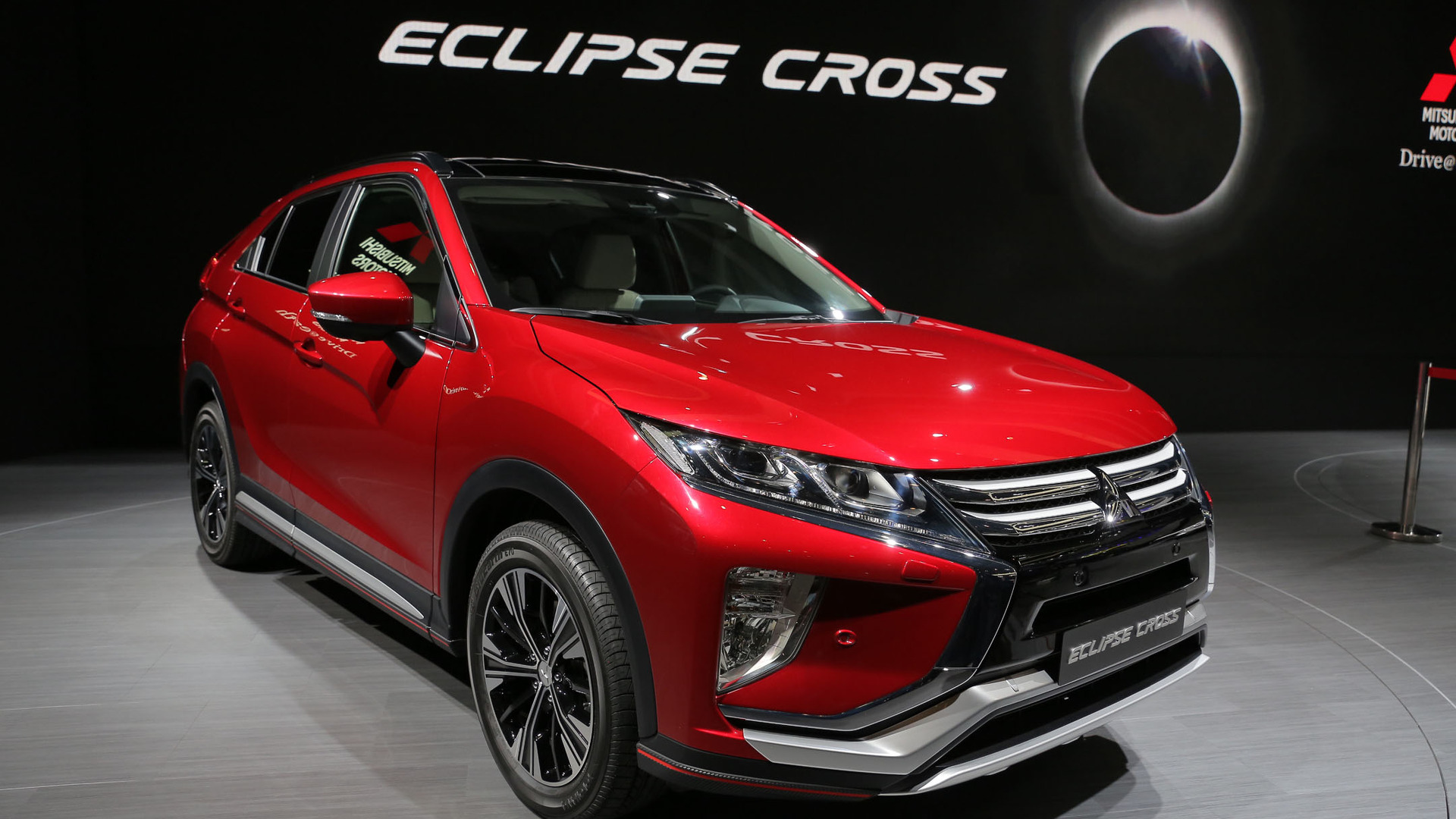ousado mitsubishi eclipse cross 2018 estreia em genebra veja fotos. Black Bedroom Furniture Sets. Home Design Ideas