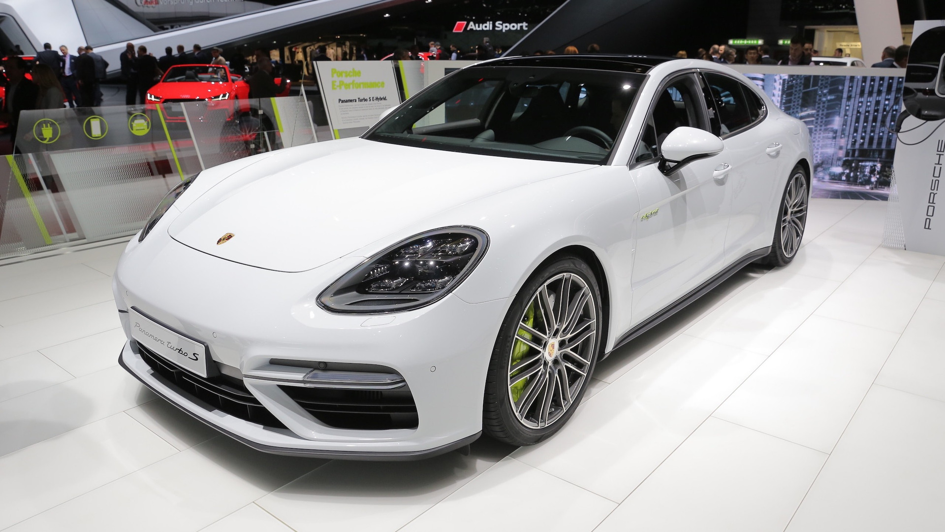 porsche panamera turbo s e hybrid is a proper flagship in geneva. Black Bedroom Furniture Sets. Home Design Ideas
