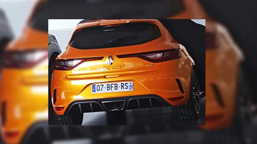 Première photo volée de la Renault Mégane R.S. !!