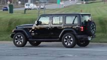 2018 Jeep Wrangler ailesi casus fotoğrafları
