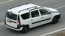 SPY PHOTOS: Dacia Logan Estate