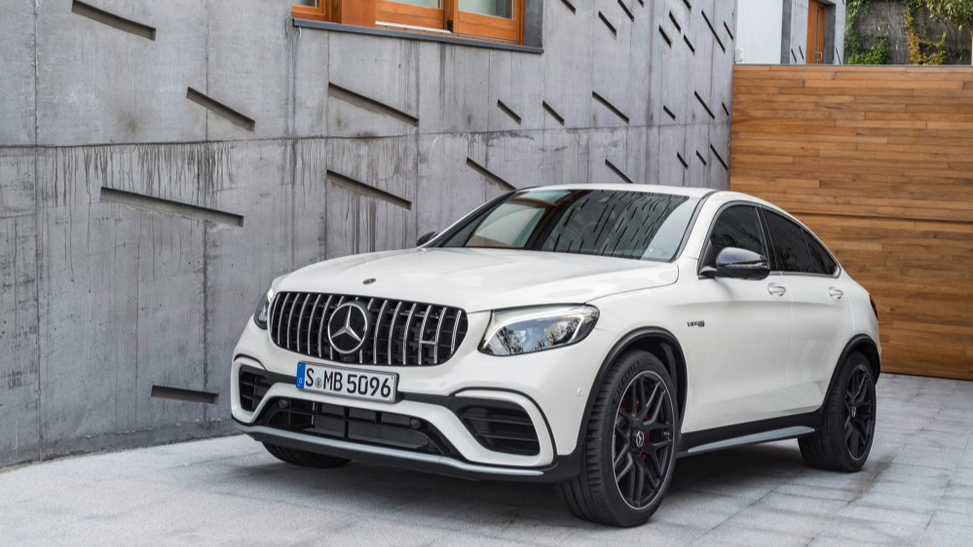 mercedes benz amg glc 63 coupe news and reviews. Black Bedroom Furniture Sets. Home Design Ideas