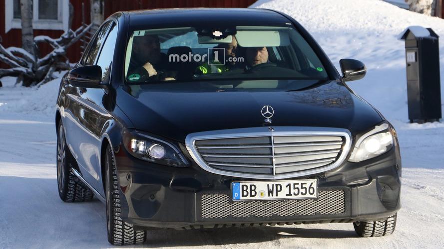 2018 Mercedes C-Class facelift spy photos