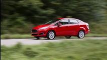 Volta Rápida: New Fiesta Sedan 2014 tem mais que o hatch, mas belisca os médios