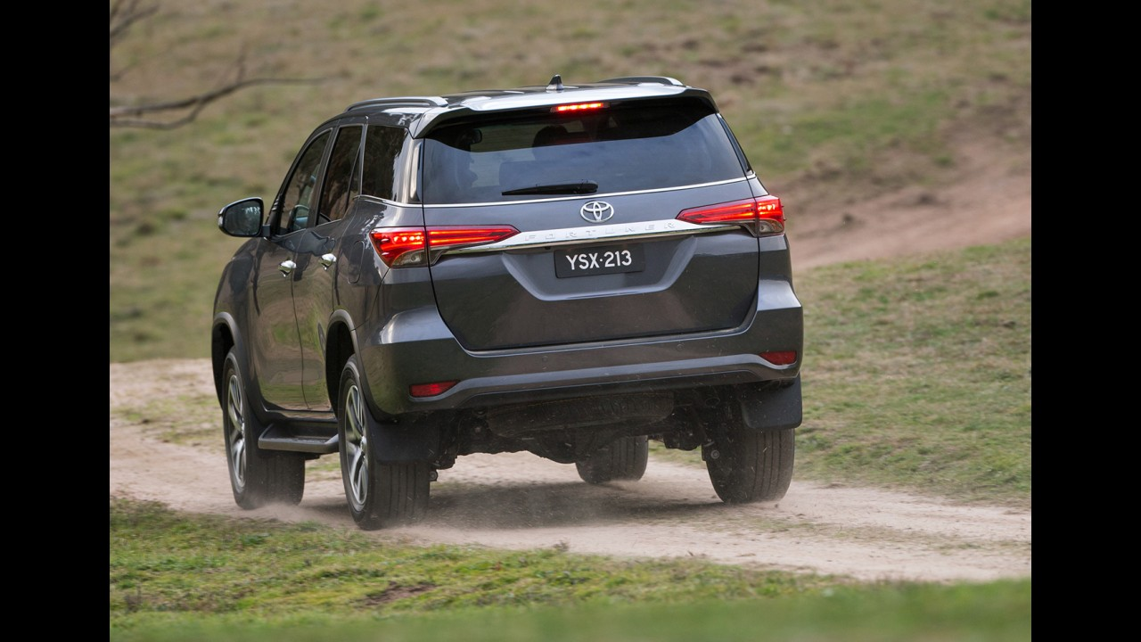 Novo Toyota SW4 chega ao Brasil no primeiro trimestre de 2016