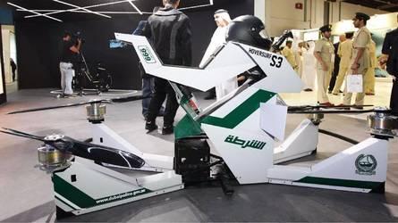 VIDÉO - La moto volante de la police de Dubaï s'envole !