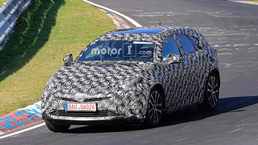 Yeni Toyota Prius+ test edilirken yakalandı