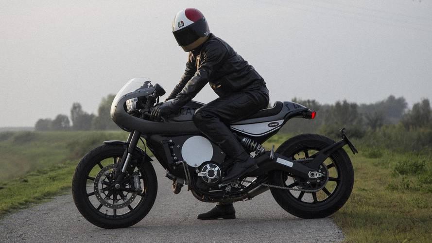 AGV presenta un nuevo casco modular y una colección de leyenda