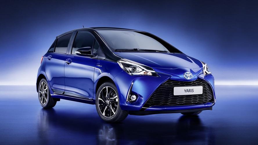 Primo rico do Etios, Toyota Yaris ganha retoque visual