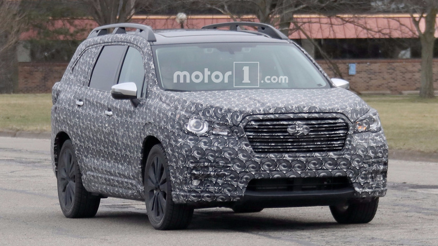 Photos espion - Subaru prépare un nouveau SUV sept places