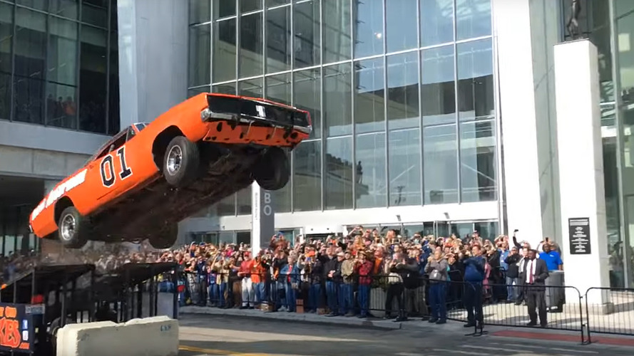 Big surprise – General Lee wrecked after stunt jump