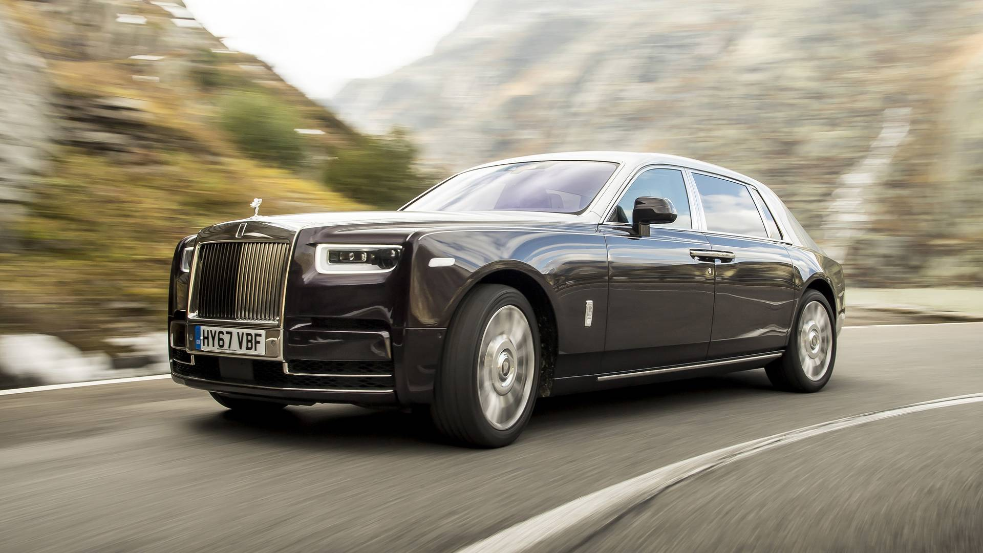 2018 rolls royce phantom ewb first drive best gets better for Rolls royce phantom motor