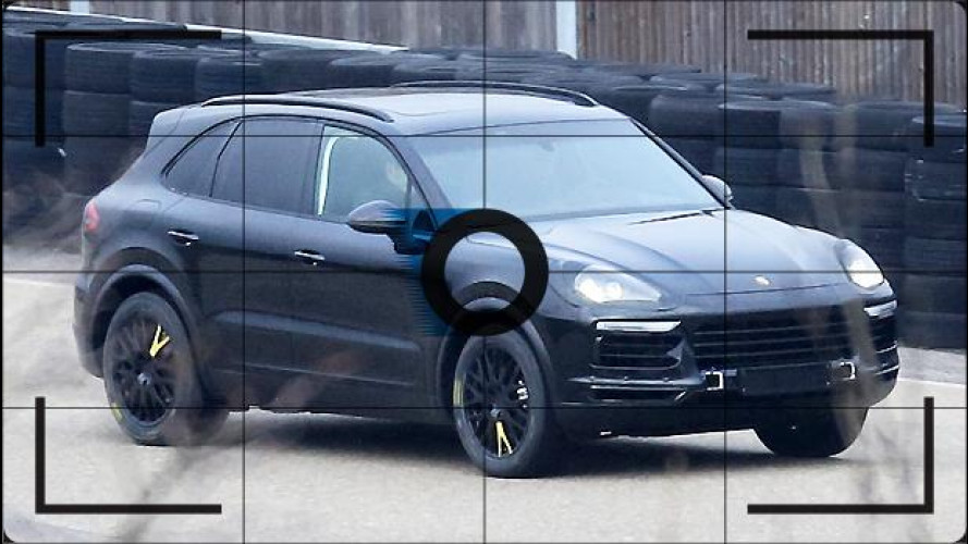 Porsche Cayenne, le foto spia della terza generazione