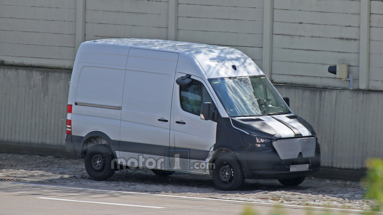 Noul Sprinter 2018 >> 2018 Mercedes Benz Sprinter Spied With Camouflaged Face