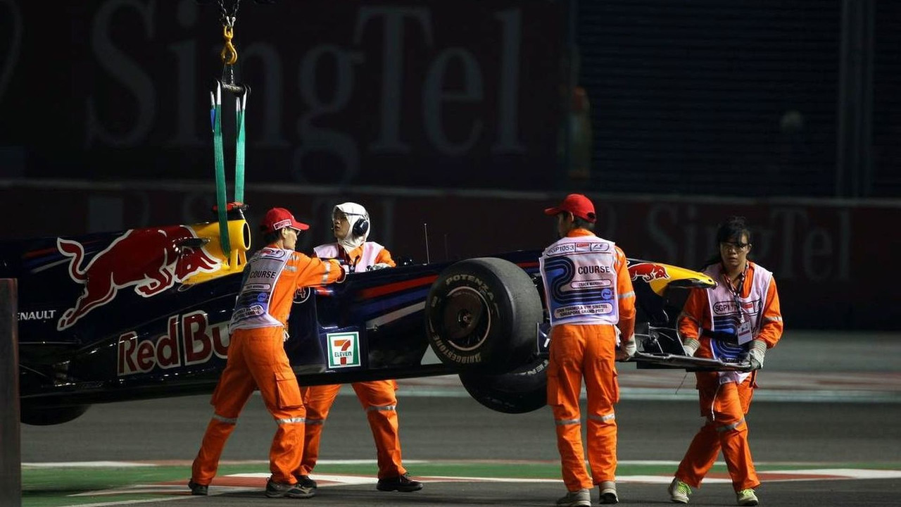 The car of Mark Webber (AUS), Red Bull Racing after crashing in the session, Singapore Grand Prix, 25.09.2009