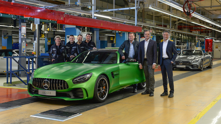 Mercedes kicks off production of handbuilt AMG GT R, GT Roadster