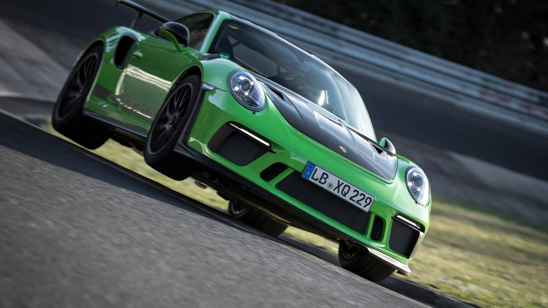 porsche-911-gt3-rs-laps-the-nurburgring-in-6564.jpg