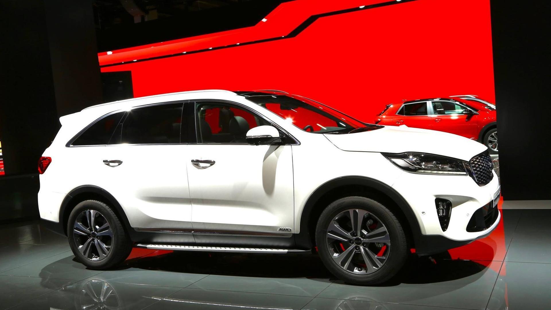 photo sorento s and original kia sorrento model depth infotainment driver reviews car review in