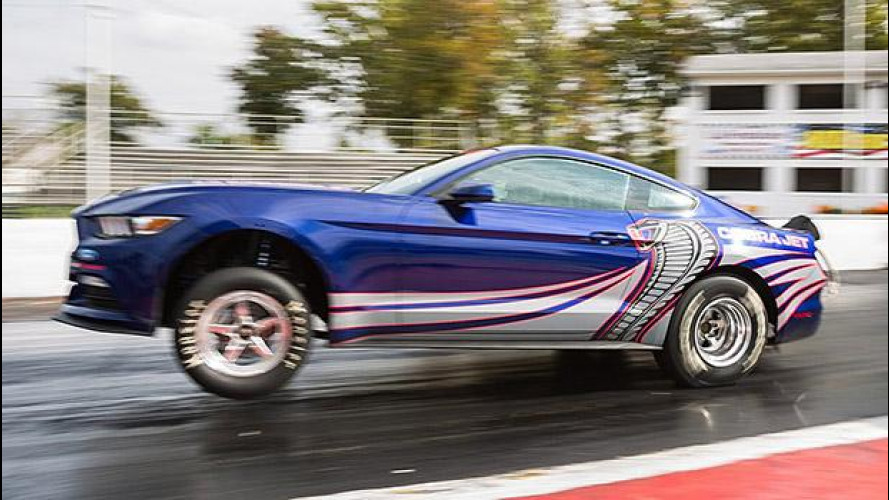 Ford Mustang Cobra Jet, occhio all'impennata! [VIDEO]