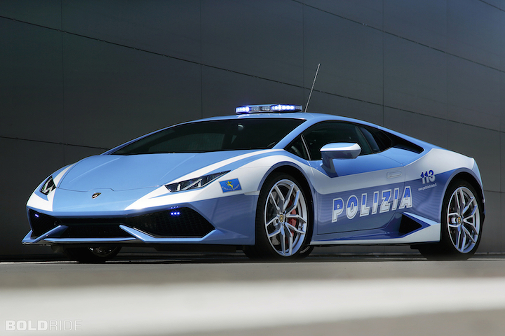 Lamborghini Huracan Cop Car Puts Speeders On Notice
