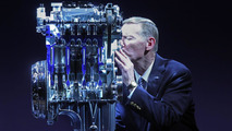 Ford CEO Alan Mulally kissing 1.0-liter EcoBoost engine - 11.11.2011