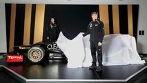 Raikkonen & Grosjean unveil Lotus E20 F1 racecar [video]
