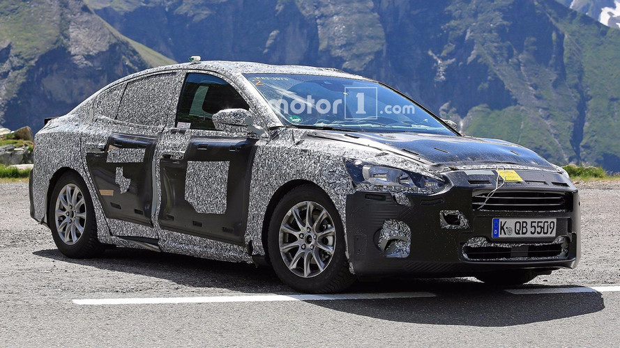 Exclusivo! - Novo Ford Focus Sedan 2018 é flagrado pela 1ª vez