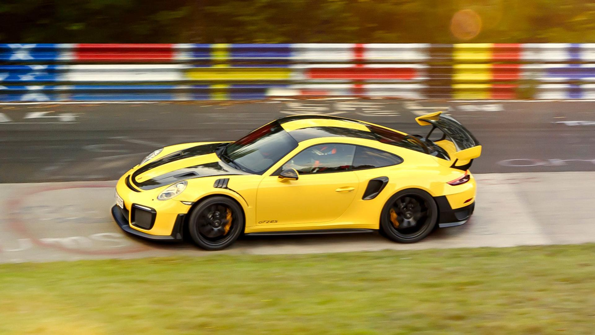 see porsche 911 gt2 rs set rwd nurburgring record with 6. Black Bedroom Furniture Sets. Home Design Ideas
