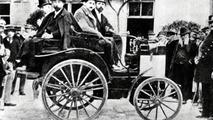 Panhard-Levassor car with Daimler engine