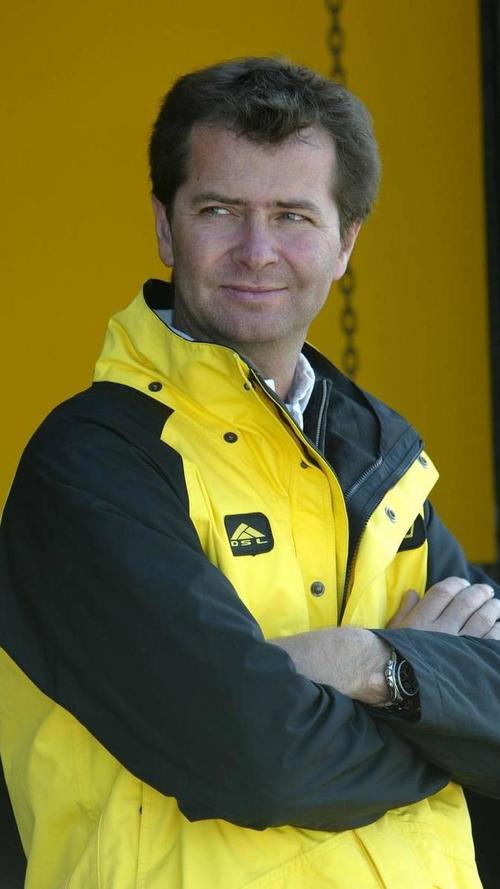 F3 team Carlin denies bidding for 2011 F1 debut