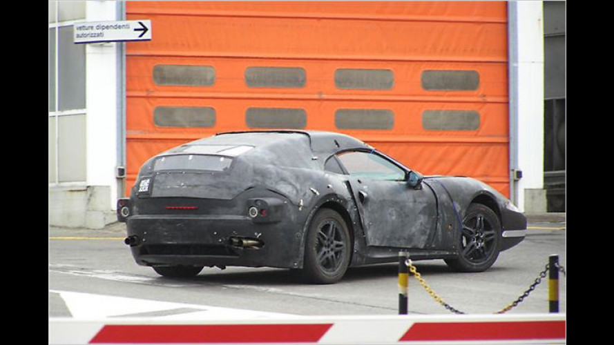 Erlkönig vor der Linse: Ist das der neue Ferrari Dino?