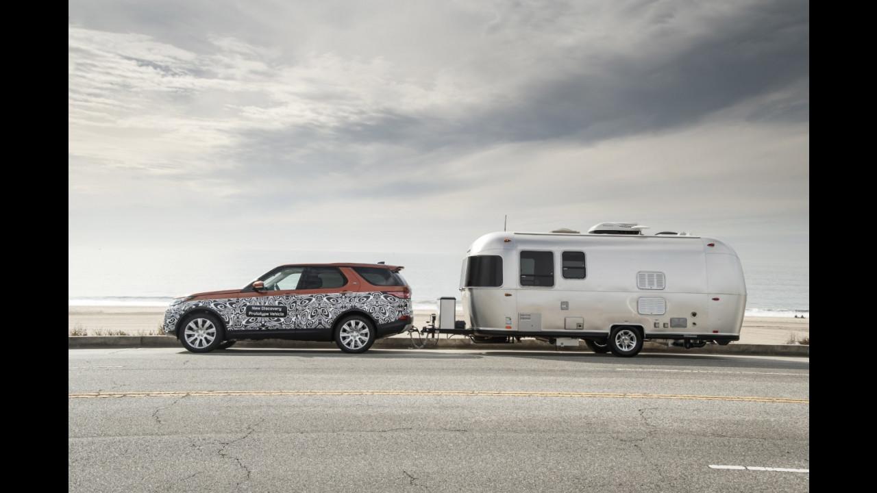 Land Rover Discovery, come funziona il Tow Assist 001