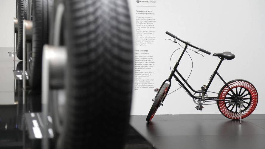 Bridgestone, a Ginevra anche la bici ha il pneumatico senz'aria